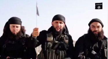 De gauche à droite, les combattants tunisiens de Daech, Abou Moassab, Abou Mohamed al-Tounsi et Abou Moqate