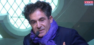 Étienne Klein au colloque Dieu et la science de Sciences et Avenir, le 11 avril 2015.