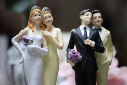 au-salon-du-mariage-homosexuel-a-paris-le-27_1370518d8c675b58c2d9c6430f6a3167