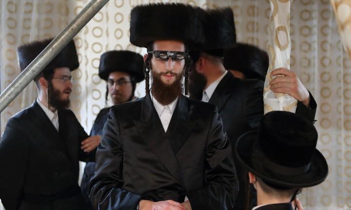 des ultra orthodoxes juifs de londres interdisent leurs femmes de conduire crissement ath e. Black Bedroom Furniture Sets. Home Design Ideas