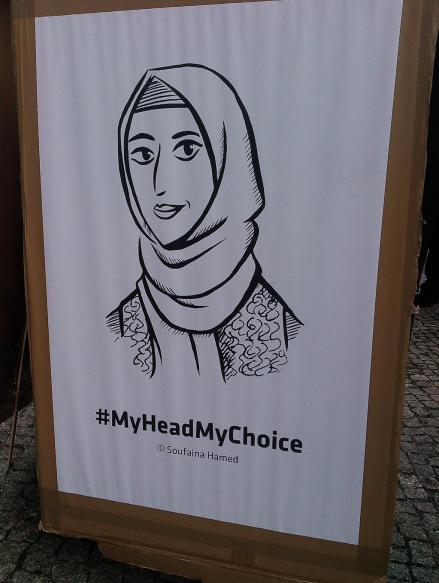Une pancarte exhibée durant la manifestation