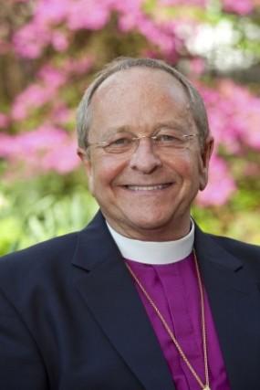 Gene Robinson, premier évêque ouvertement gay nommé par l'Église Episcopale