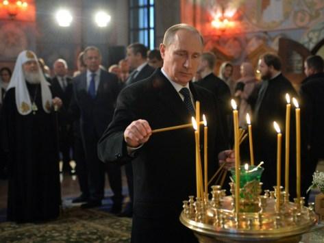 RUSSIA-PUTIN-RELIGION