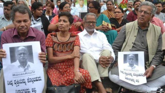 Rassemblement à la mémoire de Dr. Malleshappa Kalburgi