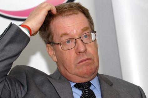 Andrew McLellan, à la tête de la commission